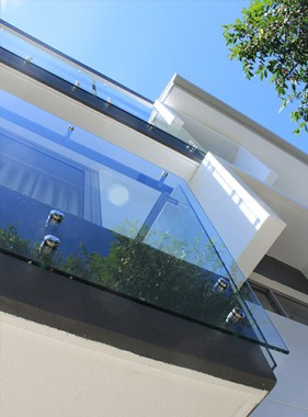 Face-Mount-Glass-Balustrade