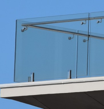 Deck Mount Glass Balustrade Using Spigots